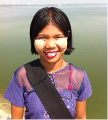 local woman at U Bein teak bridge